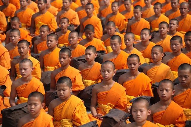 Buddhisté zdroj: Pixabay.com
