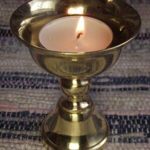 Lampa máslová - zdroj Buddhaweb.cz