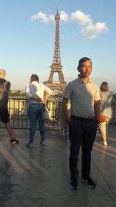 Khenpo Mriti v Paříži zdroj: Khenpo Mriti