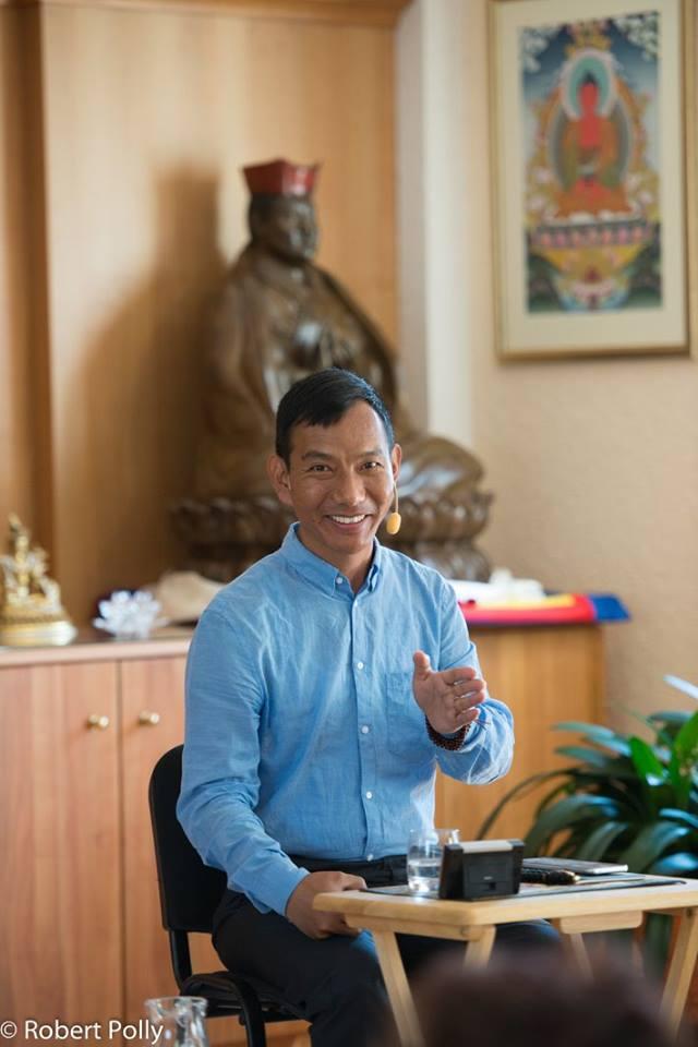Khenpo Mriti: Od východního vzdělání k západnímu